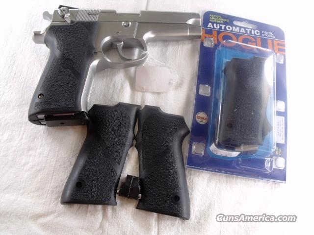 Grips Hogue Combat Smith & Wesson 5900 type NIB S&W Model 5903 5906 5943 5946 4003 4006 4043 4046   Non-Guns > Gunstocks, Grips & Wood