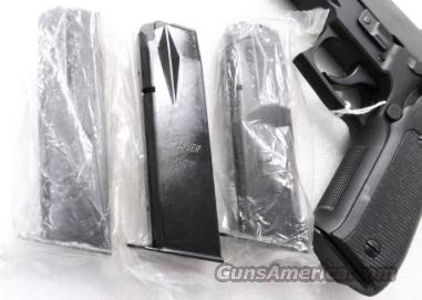 Lot of 3 Magazines for Sig P-226 Factory Sig Mec Gar 15 Shot 9mm Factory Clip for SigArms Sauer model P226 Mint Unfired Unissued   Non-Guns > Magazines & Clips > Pistol Magazines > Sig