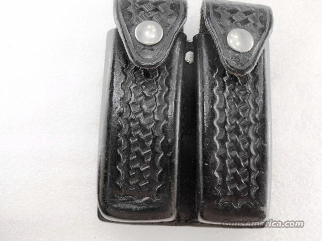 Tex Shoemaker Double Magazine Case Double Stack Black ca 1980 GL390  Non-Guns > Holsters and Gunleather > Police Belts/Holsters
