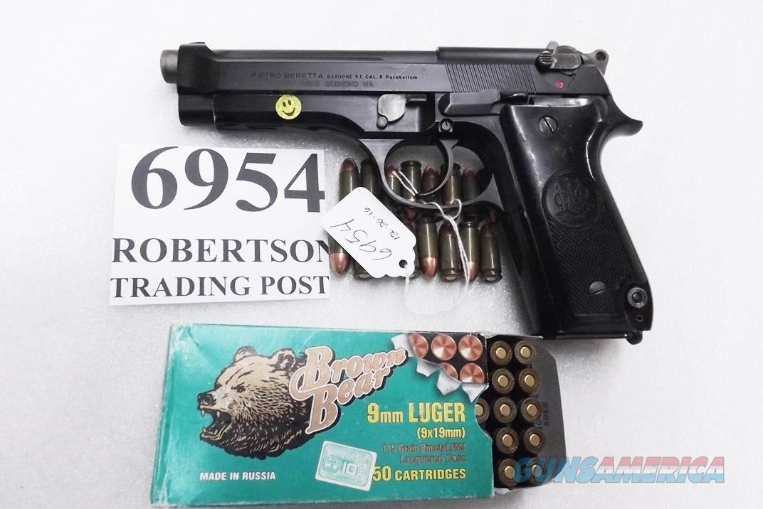Beretta 9mm model 92S Italy Military Police Italian Carabinieri VG JS92F300M type / ancestor c1978 w1 15 round Magazine Factory Gloss Anodized Frame, Oxide Barrel, Brunitron Slide, Inox Trigger Bar VGRO  Guns > Pistols > Beretta Pistols > Model 92 Series