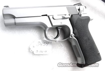 S&W 9mm 5906 Steel Stainless Excellent Matte Stainless Bead Finish 16 Shot with 2 Factory Magazines in Smith & Wesson Factory Blue Box   Guns > Pistols > Smith & Wesson Pistols - Autos > Steel Frame