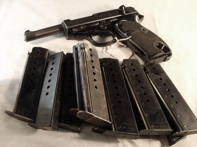 Magazine Walther P-38 9mm P-1 Factory 8 Shot Bright Blue VG-Exc Condition 1980s German Federal Police P38 P1 P5 Clip  Guns > Pistols > Walther Pistols > Post WWII > P38