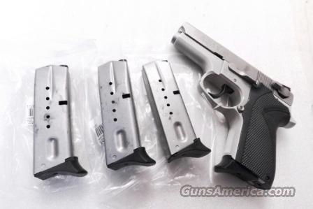 Lots of 3 or more Smith & Wesson 6906 Factory Magazine 9mm 12 Shot Finger Rest 3x$43 Stainless Black Follower Brand New models 6906 6904 6946 469 669 KelTec P11  Non-Guns > Magazines & Clips > Pistol Magazines > Smith & Wesson