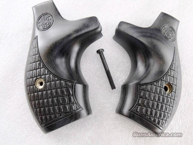 Grips Smith & Wesson Gray Laminate Boot Grip for J Frame Round Butt New Talo Limited Edition 642 issue  Non-Guns > Gunstocks, Grips & Wood