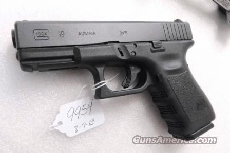 Glock 9mm model 19 Generation 3 NIB 2 Magazines 11 or 16 Shot Near Mint in Box Mag Sub OK   Guns > Pistols > Glock Pistols > 19
