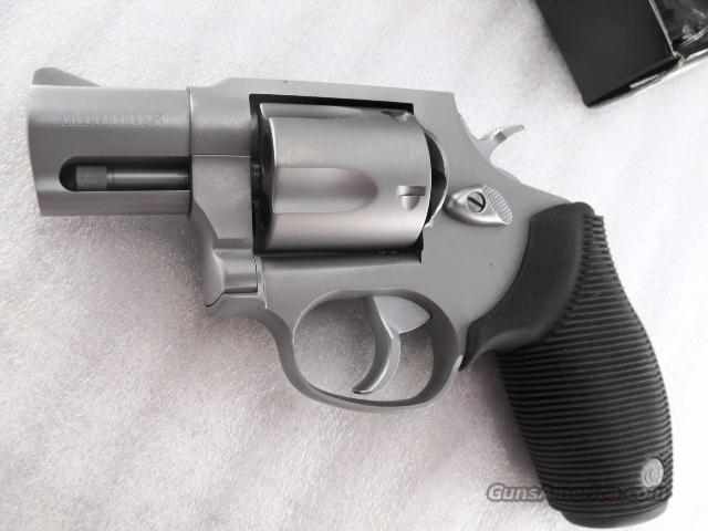 Taurus .40 Revolver model 405 Stainless Steel 5 Shot 2 inch with 4 Moon Clips Near Mint in Box 40 Smith & Wesson caliber M405   Guns > Pistols > Taurus Pistols/Revolvers > Revolvers