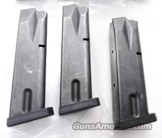 Beretta model 96 Magazines .40 S&W Factory 11 Round LE Marked Blue Steel 40 Caliber model 96 all variants Excellent Condition JM80399HC Type   Non-Guns > Magazines & Clips > Pistol Magazines > Beretta