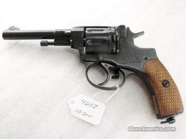 Nagant .32 S&W compatible World War II Nagant 7.62 Model 1895 Revolver Excellent 1939 with Holster & Kit 32 Smith & Wesson or 32 Tula Russia C&R CA OK	  Guns > Pistols > Surplus Pistols & Copies