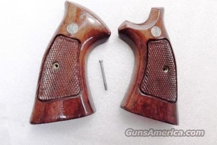 Smith & Wesson Factory K or L Frame Square Butt Walnut Target Stocks ca. 1986 with Speedloader Cut VG Refin 10 13 15 19 64 65 66 581 586 686 Family  Non-Guns > Gunstocks, Grips & Wood