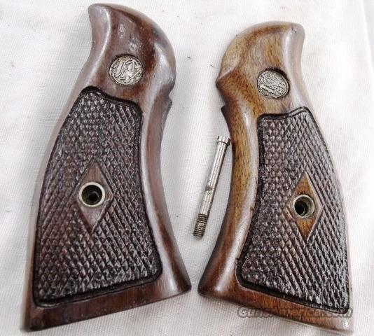 Smith & Wesson Factory N Frame Square Butt Diamond Magna Service Grips without Speedloader Cut ca. 1967 Very Good models 20 21 22 24 25 26 27 28 29 1917 1955 & Pres  Non-Guns > Gun Parts > Grips > Smith & Wesson