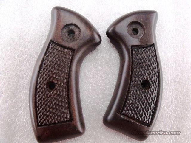 Charter Walnut Grips Bulldog Undercover Pathfinder No Screw Logo GRCHANL Magna Style 1980s Old Stock without any hardware Wood Part Only  Non-Guns > Gunstocks, Grips & Wood