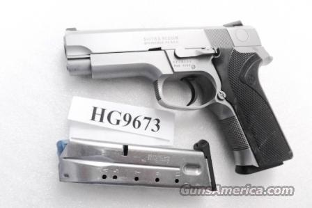 Smith & Wesson .40 model 4046 Stainless Steel Frame DAO 3 Dot 12 Shot 2 Magazines VG mfg 1998 Milwaukee County Sheriff Dept   Guns > Pistols > Smith & Wesson Pistols - Autos > Steel Frame