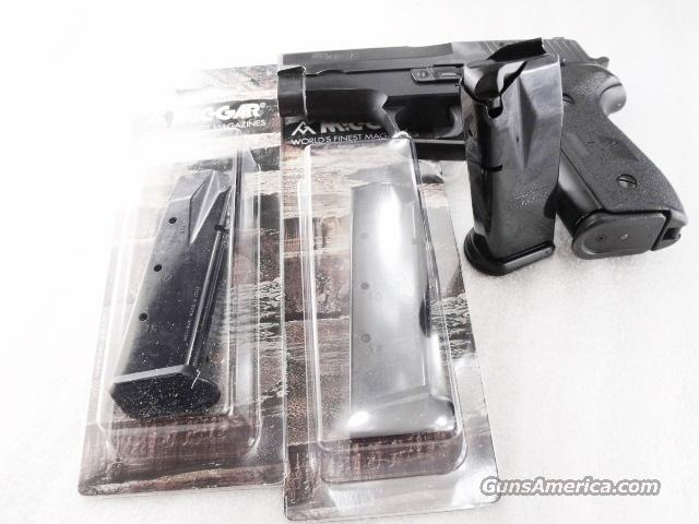 Lot of 3 Magazines Sig P-228 / 229 Mec Gar 9mm 15 Shot Blue NIB Factory MecGar Magazine for SigArms Sauer model 228 P228 15 round Steel $39 per on 3  Non-Guns > Magazines & Clips > Pistol Magazines > Sig