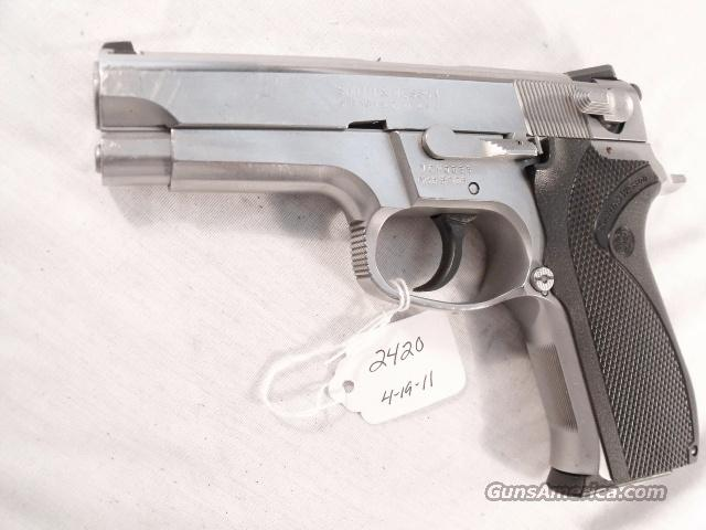 Smith & Wesson 9mm Model 5906 Stainless VG ca 1996 1 Magazine  Guns > Pistols > Smith & Wesson Pistols - Autos > Steel Frame