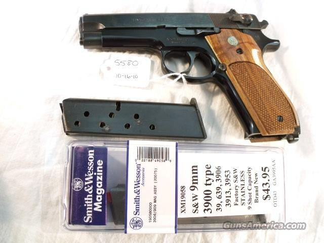 S&W 9mm model 39-2 Blue 4 in 1979 Exc Lollipop Sights 2 Mags New Box & Manual  Guns > Pistols > Smith & Wesson Pistols - Autos > Steel Frame