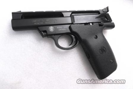 S&W .22 LR model 22A 4 inch Bull Barrel Black Adjustable Picatinny Rail 11 Shot 1 Magazine Exc to Near Mint in Box with Manual  Guns > Pistols > Smith & Wesson Pistols - Autos > .22 Autos