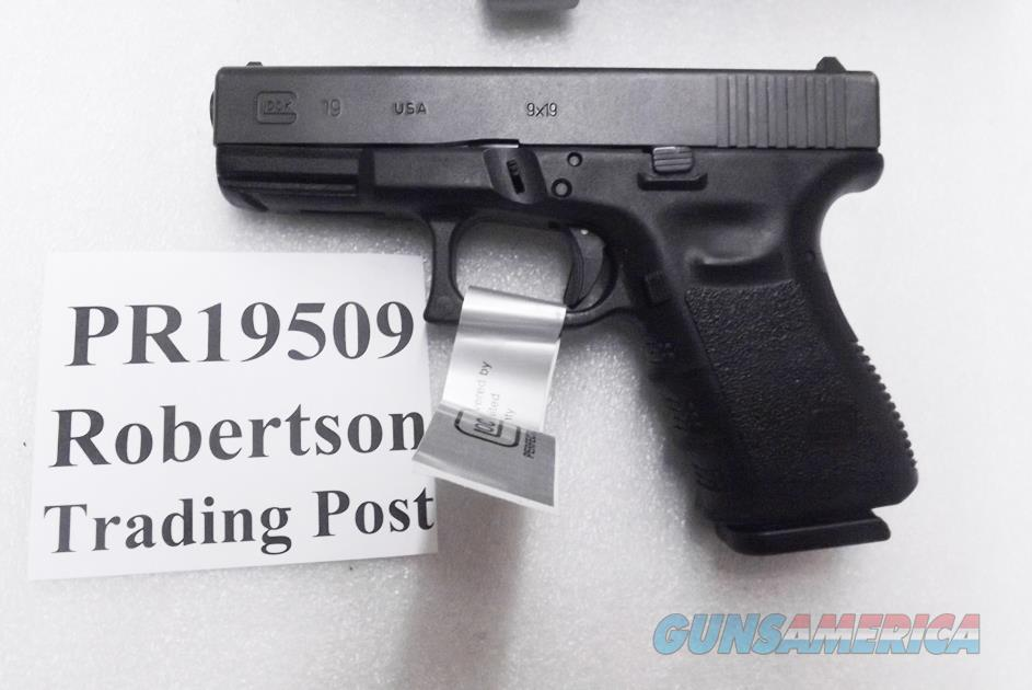 Glock  9mm model 19 PR19509 Factory Rebuilt CPO Type Excellent in Box PI1950203 type 2 Magazines 16 Shot U Dot Sights Compact    Guns > Pistols > Glock Pistols > 19