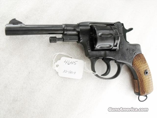 Nagant .32 S&W compatible World War II Nagant 7.62 Model 1895 Revolver Excellent 1940 with Holster & Kit 32 Smith & Wesson or 32 Tula Russia C&R CA OK	  Guns > Pistols > Military Misc. Pistols Non-US
