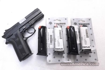 Lots of 3 or more Taurus PT911 Factory 10 Shot Magazines 9mm models 915 PT92C $39 per on 3 or more.  Non-Guns > Magazines & Clips > Pistol Magazines > Other