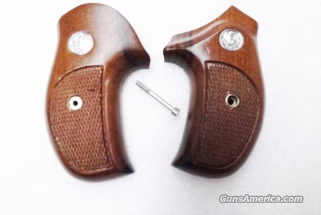 Rossi model R352 R461 R462 Walnut Combat Grips Sile Banana 1980s Production Excellent Custom Fitted   Non-Guns > Gun Parts > Grips > Other