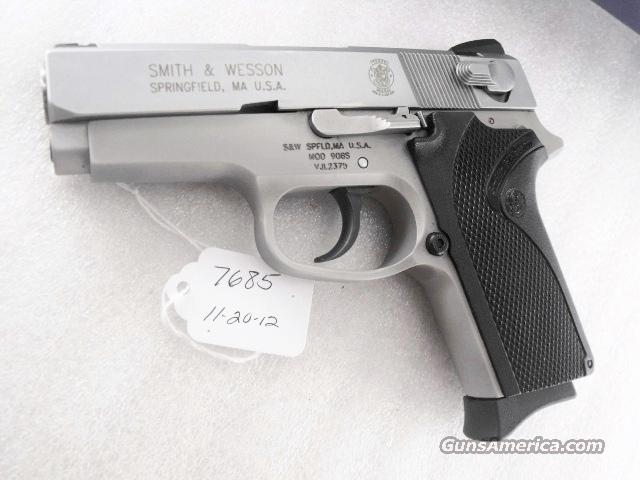 S&W 9mm model 908S Compact Stainless Lightweight 3913 variant 9 Shot Excellent in Original Box with 3 Magazines  Guns > Pistols > Smith & Wesson Pistols - Autos > Alloy Frame