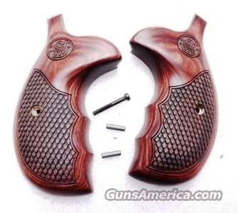Smith & Wesson Grips Talo Spl Ed Rosewood Combat K L Round Butt GR150713 Laminate Checkered parent sku 150713  Non-Guns > Gun Parts > Grips > Smith & Wesson