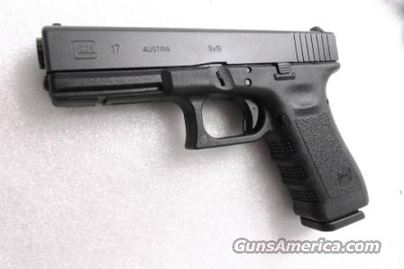 Glock 9mm model 17 Auto 18 Shot with w/2 High Capacity Magazines Generation 3 NIB  Guns > Pistols > Glock Pistols > 17