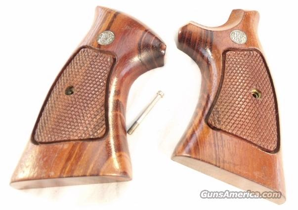 Grips S&W N-Square Target Goncalo 1987 Exc  Non-Guns > Gun Parts > Grips > Other