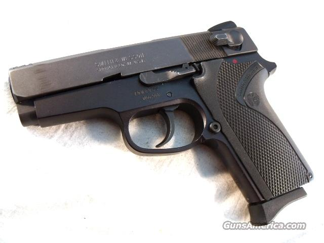 S&W 9mm Model 908 = Economy 3914 Excellent in Box 2 Mags Smith & Wesson Traditional Double Action with Magazine Safety  Guns > Pistols > Smith & Wesson Pistols - Autos > Alloy Frame