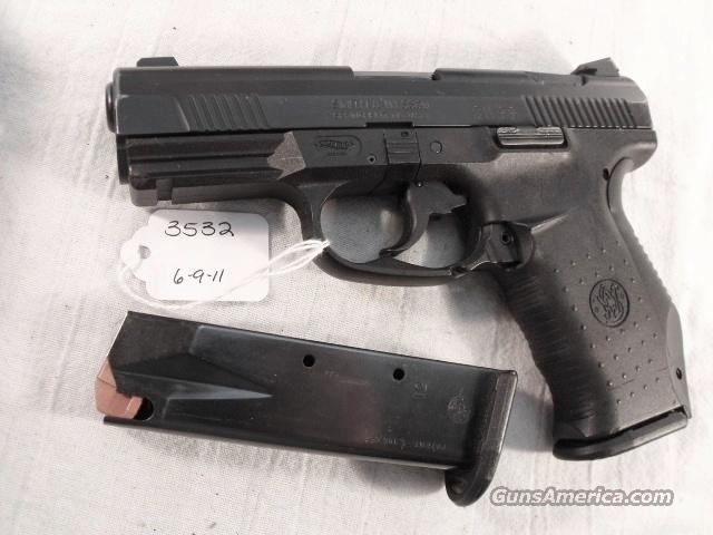 S&W .40 cal model SW99 VG-Exc Night Sights 13 Shot 2 Magazines Charlotte North Carolina Police 40 Smith & Wesson caliber ca 2003	  Guns > Pistols > Smith & Wesson Pistols - Autos > Polymer Frame