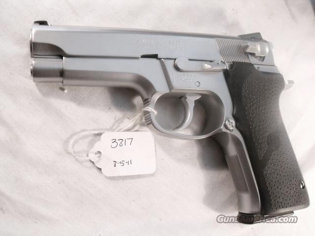 S&W 9mm 5906 Steel Stainless Excellent Matte Stainless Finish 2 Magazines in Blue Box   Guns > Pistols > Smith & Wesson Pistols - Autos > Steel Frame