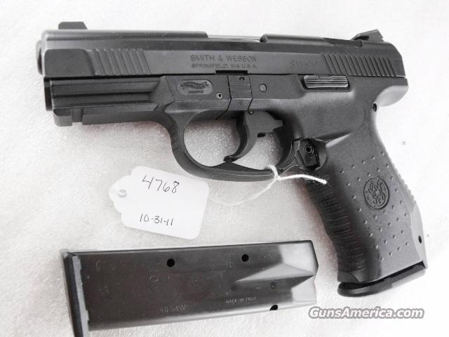 S&W .40 cal model SW99 VG-Exc Night Sights 13 Shot 2 Magazines Charlotte North Carolina Police 40 Smith & Wesson caliber ca 2003 CA OK	  Guns > Pistols > Smith & Wesson Pistols - Autos > Polymer Frame