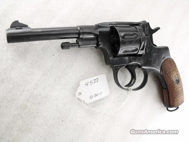 Nagant .32 S&W compatible World War II Nagant 7.62 Model 1895 Revolver Excellent 1944 with Holster & Kit 32 Smith & Wesson or 32 Tula Russia C&R CA OK	  Guns > Pistols > Military Misc. Pistols Non-US