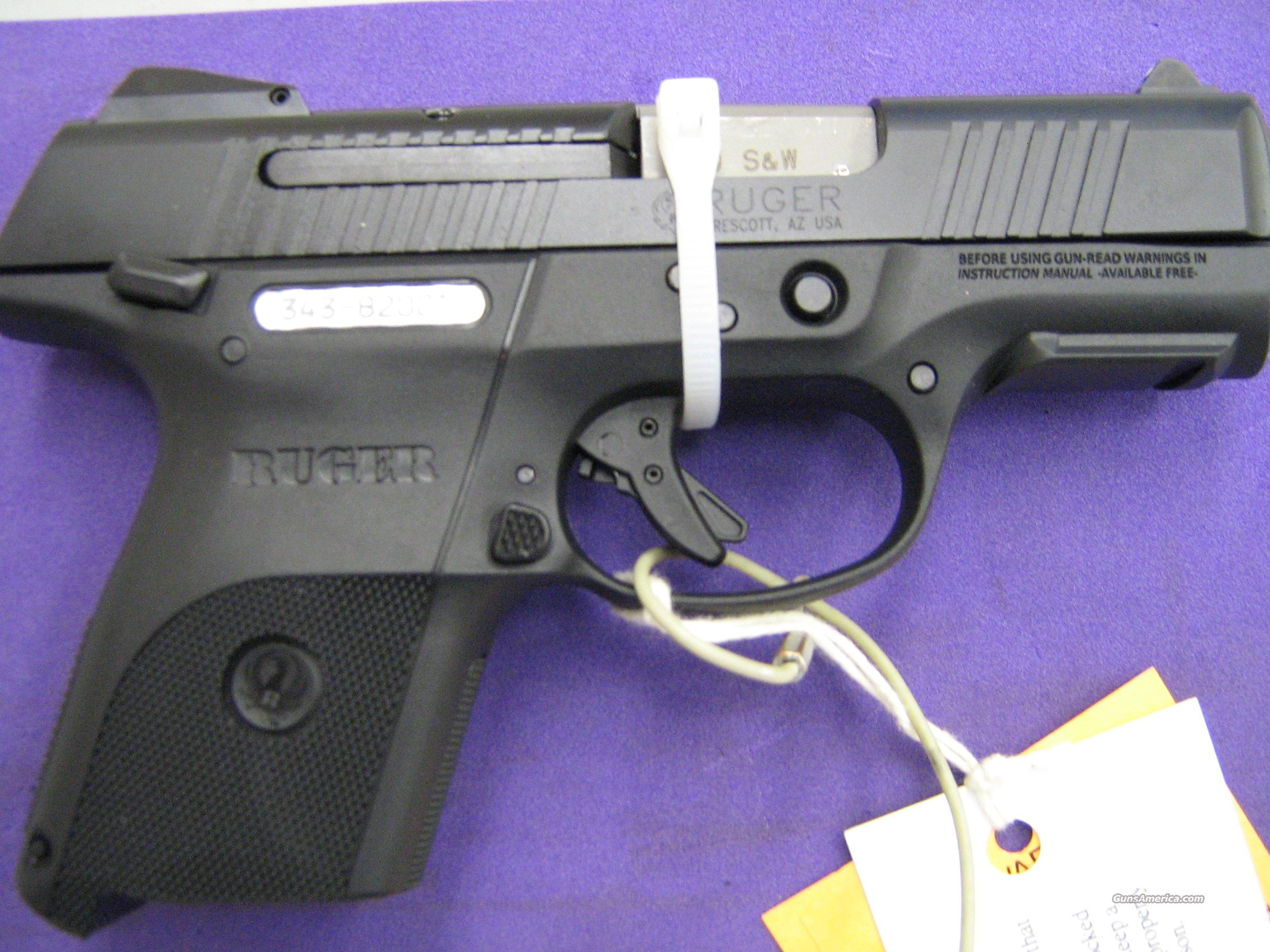 Ruger SR40 Black Compact (SELLING AT DEALER COST)  Guns > Pistols > Ruger Semi-Auto Pistols > SR Family