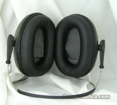 PRO-EARS PREDATOR 300 Plus Behind-the-Head Electronic Muffs  Non-Guns > Miscellaneous