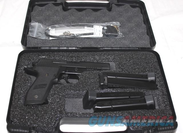 Sig Sauer P226 TACOPS .40 with 4 high cap mags  Guns > Pistols > Sig - Sauer/Sigarms Pistols > P226