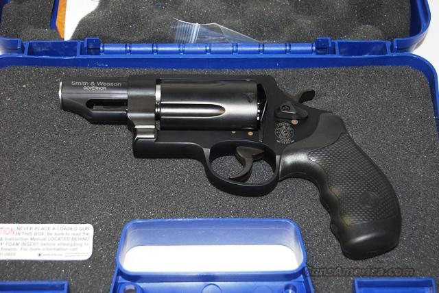 Smith & Wesson GOVERNOR  .410/.45 colt/.45 ACP  Guns > Pistols > Smith & Wesson Revolvers > Full Frame Revolver