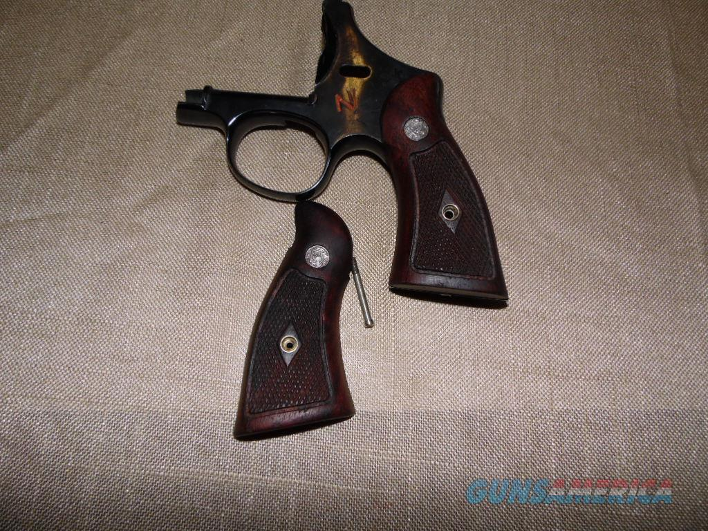 N FRAME SMITH AND WESSON MAGNA DIAMOND GRIP  Non-Guns > Gunstocks, Grips & Wood
