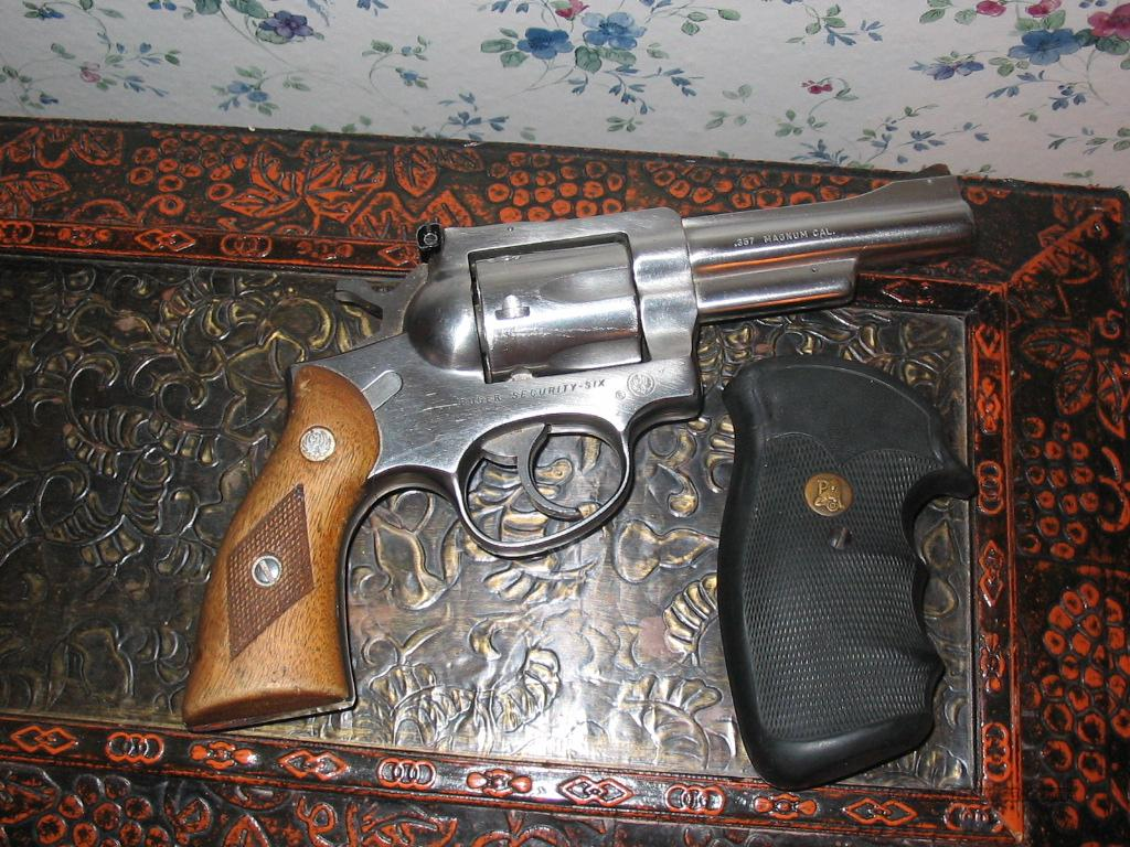 Ruger Security-Six .357 Magnum  Guns > Pistols > Ruger Double Action Revolver > Security Six Type