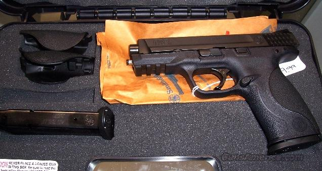 Smith & Wesson M&P 40 with Rebate  Guns > Pistols > Smith & Wesson Pistols - Autos > Polymer Frame