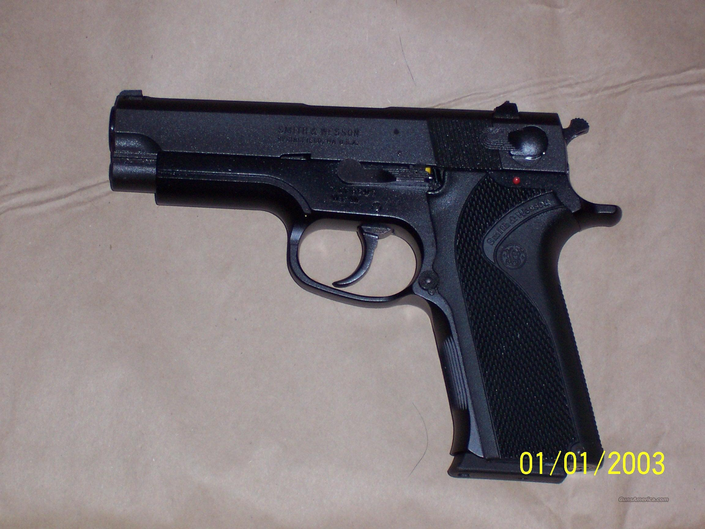 S&W Model 411 .40 REDUCED  Guns > Pistols > Smith & Wesson Pistols - Autos > Polymer Frame