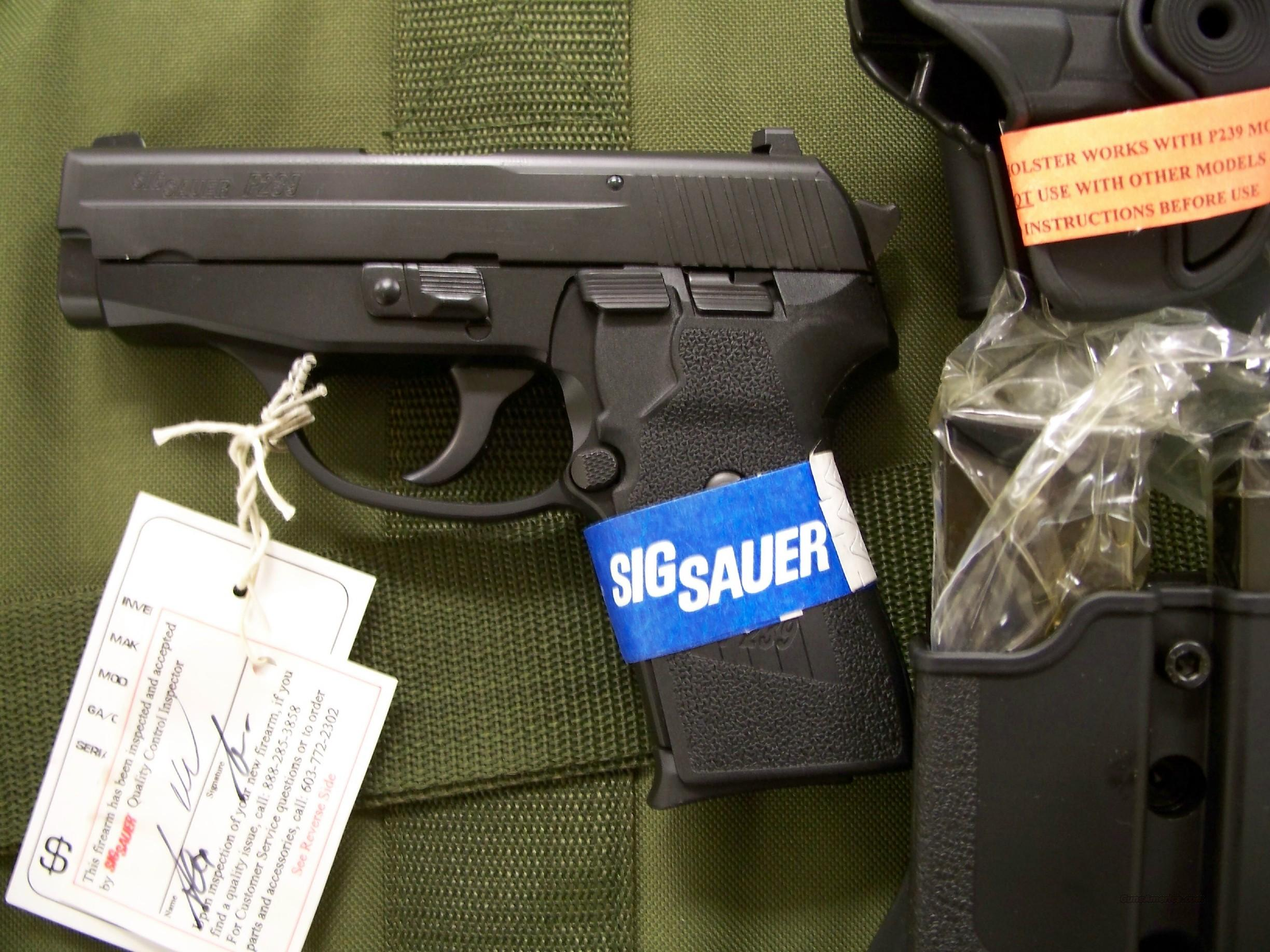 Sig P239 40 S&W night sights 3 mags holster  Guns > Pistols > Sig - Sauer/Sigarms Pistols > P239