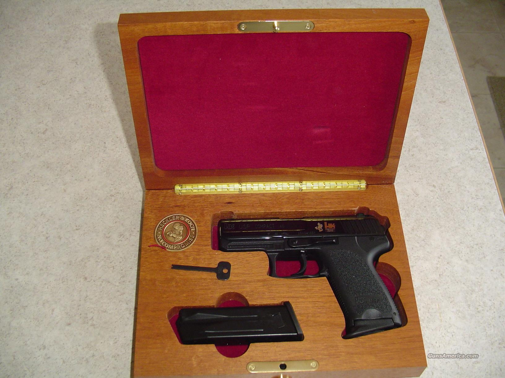 VERY RARE--NEW IN BOX--HK INTERNATIONAL TRAINING DIVISION 40 USP COMPACT IN WOOD PRESENTATION BOX!!  Guns > Pistols > Heckler & Koch Pistols > Polymer Frame