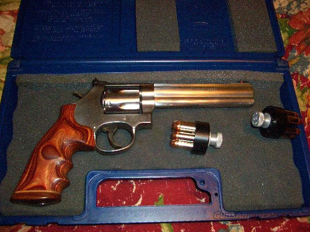 Smith and Wesson 686-shot  Guns > Pistols > Smith & Wesson Revolvers > Full Frame Revolver