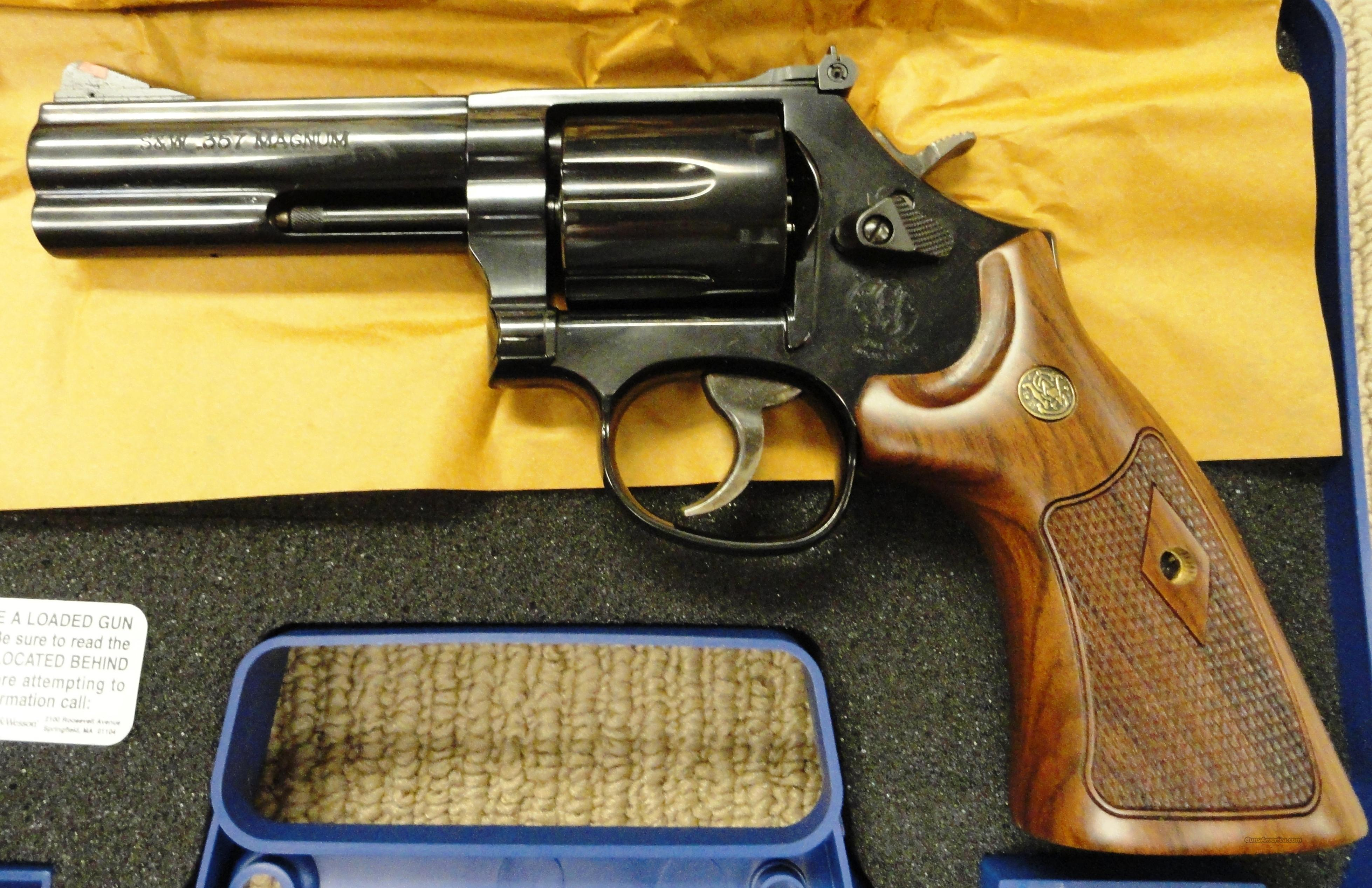 "Smith & Wesson S&W 586 Blue 4"" 357mag 150909 New in box  Guns > Pistols > Smith & Wesson Revolvers > Full Frame Revolver"