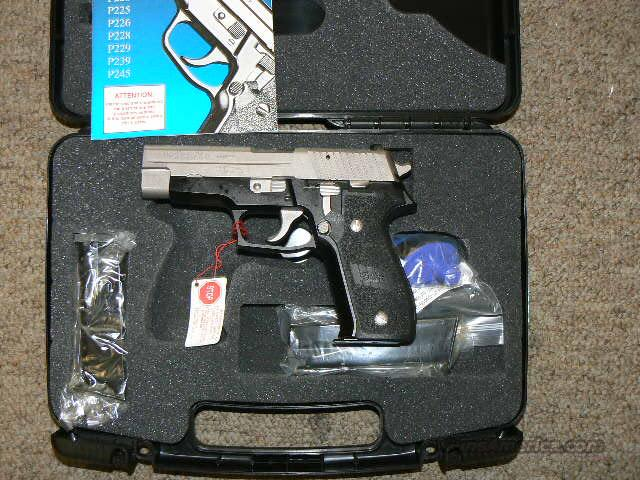Sig P226 Law Enforcement Model* TWO TONE w/ Accents Rare P226 LE 3 High Cap Mags w/ Night Sights  Guns > Pistols > Sig - Sauer/Sigarms Pistols > P226