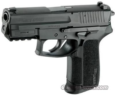 SIG SAUER SP2022 40S&W 3-12RD MAGS SS W/BLACK NITRON FINISH E2022-40-BSS NEW IN BOX MAIL IN REBATE FOR 4TH & 5TH MAG  Guns > Pistols > Sig - Sauer/Sigarms Pistols > 2022