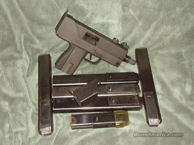 Mac 10 with 5 magazines  Guns > Pistols > A Misc Pistols