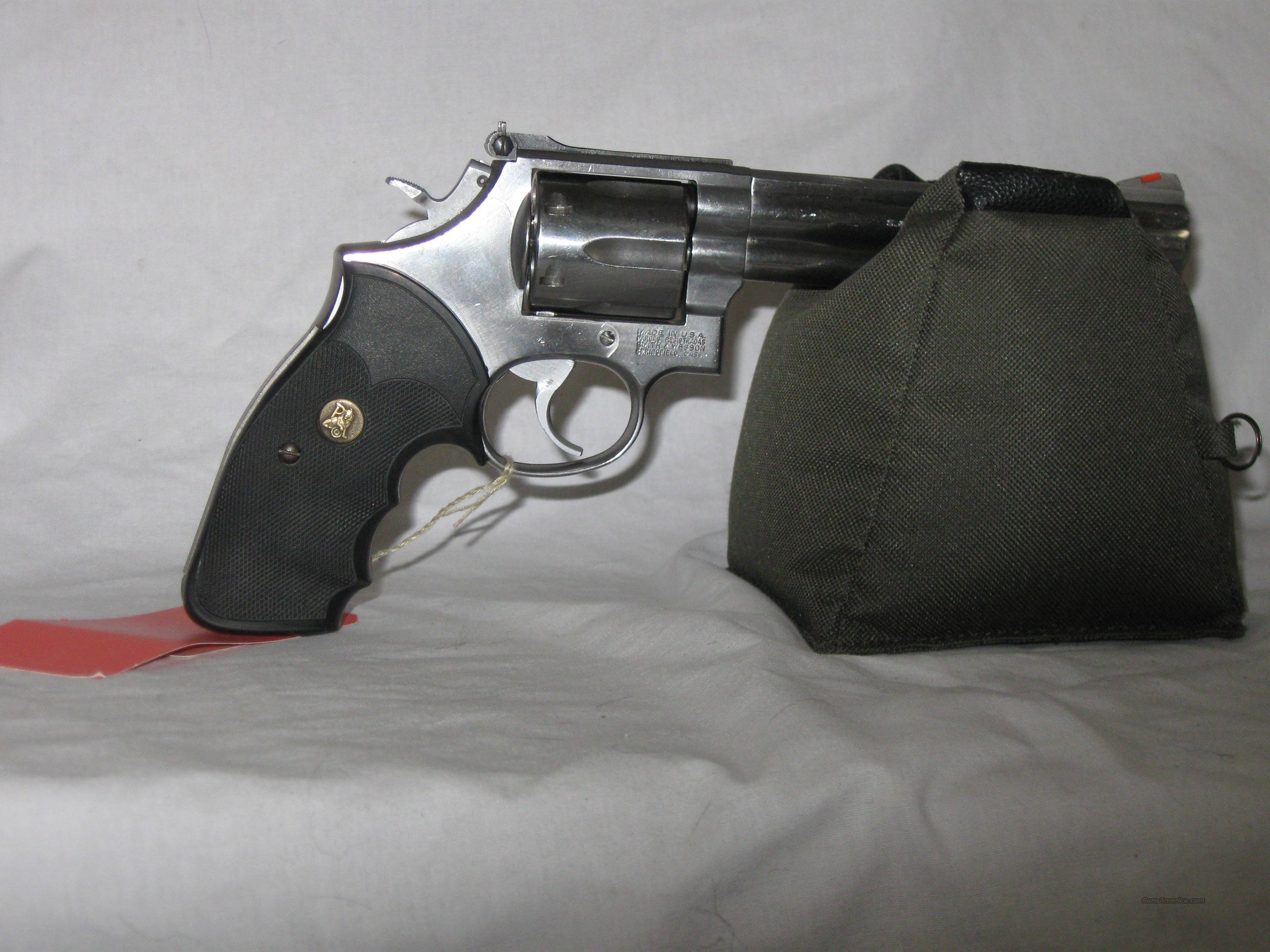 Smith & Wesson Model 686-2  Guns > Pistols > Smith & Wesson Revolvers > Full Frame Revolver