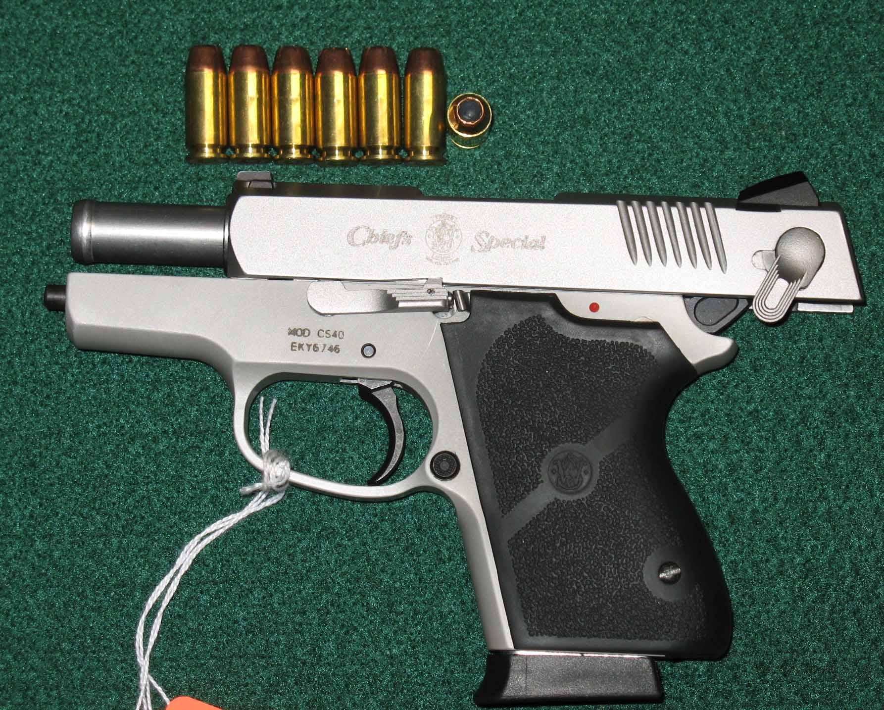 Smith and Wesson Chiefs Special .40cal LNIB Great Conceal/Tactical Piece Clean  Guns > Pistols > Smith & Wesson Pistols - Autos > Alloy Frame